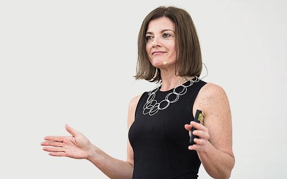 Service verbessern - Service Expertin Sabine Hübner